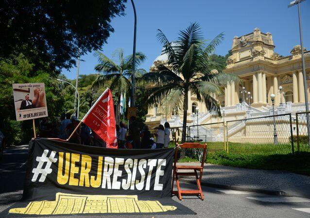 Movimento de apoio à UERJ cresce nas redes sociais