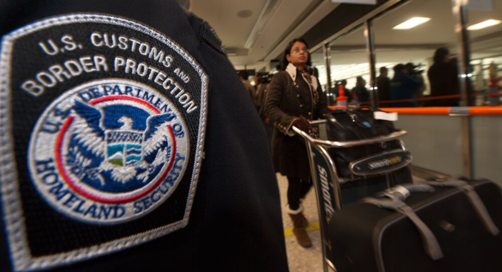 Serviço de Alfândega e Proteção de Fronteiras dos EUA em um aeroporto da Virgínia (arquivo)