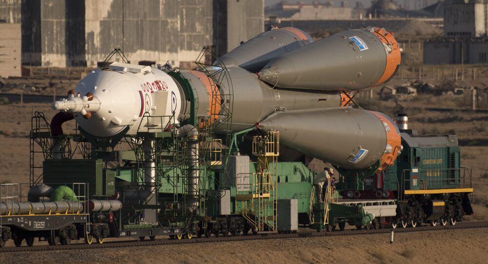 Soyuz MS-06  é lançado de trem para a plataforma de lançamento no Cosmódromo de Baikonur, no Cazaquistão, no domingo, 10 de setembro de 2017