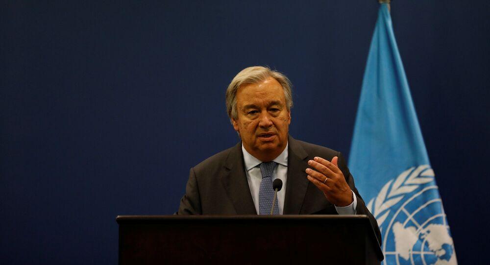 Secretário-geral da ONU, António Guterres, durante uma entrevista coletiva em Ramallah, Cisjordânia (arquivo)