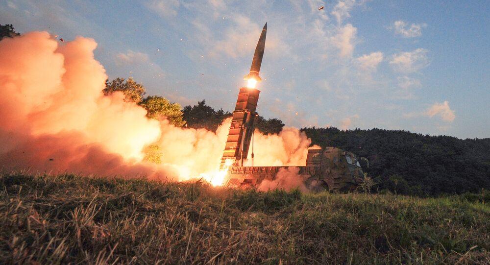 Teste do míssil sul-coreano Hyunmoo, testado em 4 de setembro de 2017