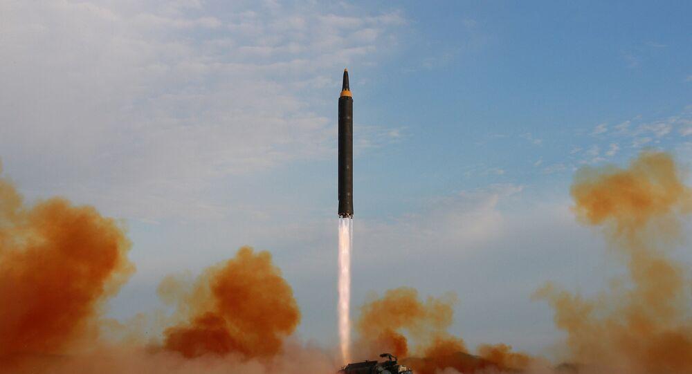 Lançamento do míssil Hwasong-12 (imagem de arquivo)