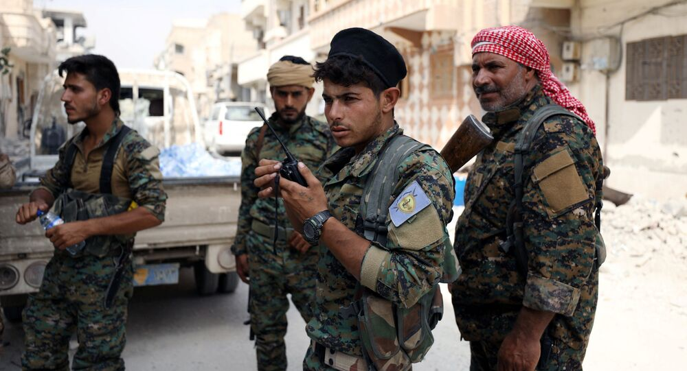 Combatentes das Forças Democráticas da Síria (FDS)