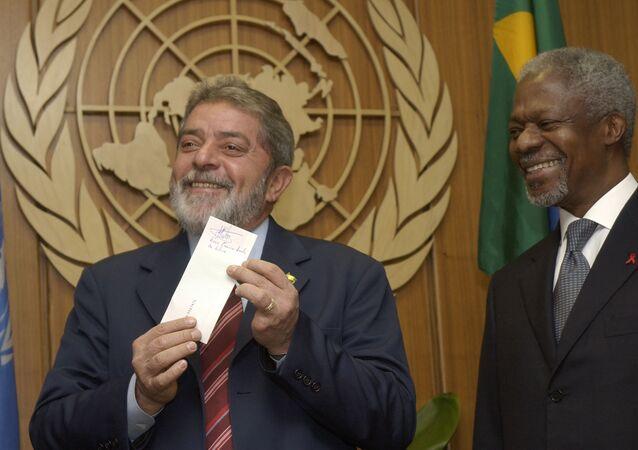 Lula o secretário-geral da ONU, Kofi Annan, durante a Assembleia Geral das Nações Unidas, 25 de setembro de 2003