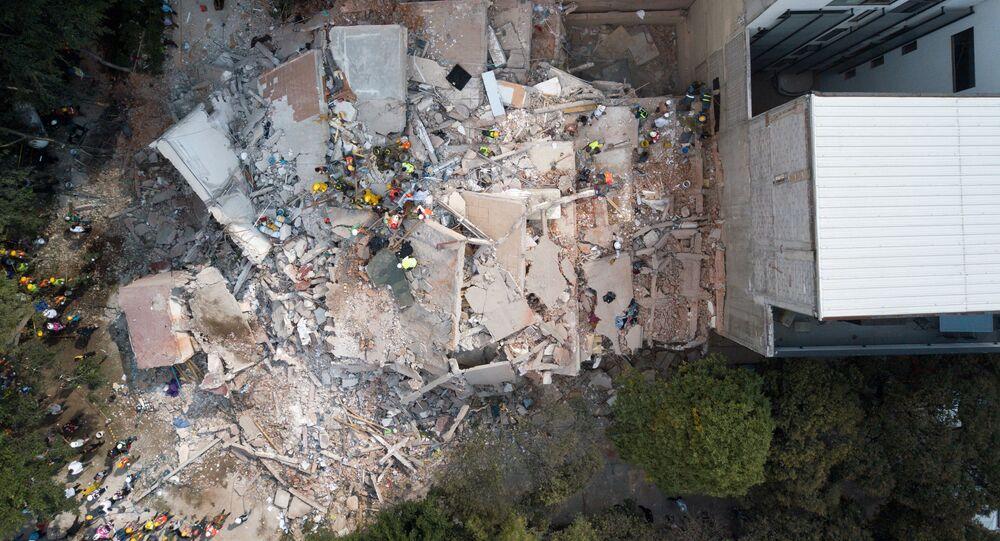 Operações de busca e resgate no México após o forte terremoto, 19 de setembro de 2017