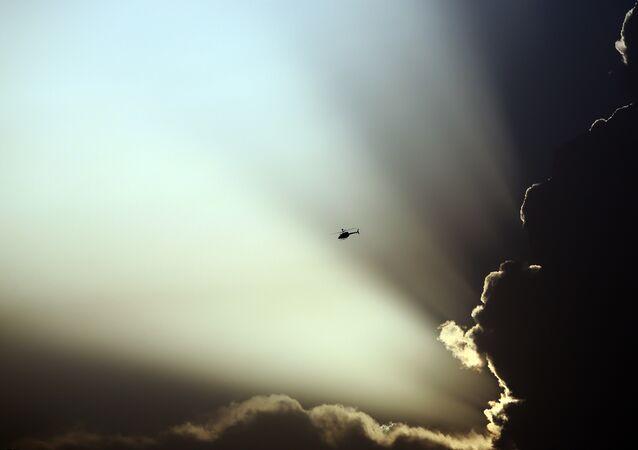 Helicóptero norte-americano sobrevoa o território do Afeganistão (foto de arquivo)