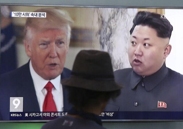 Presidente dos EUA, Donald Trump, e o líder da Coreia do Norte, Kim Jong-un, dividem a tela