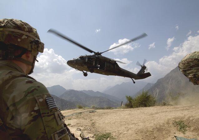 Soldados norte-americanos no Havaí
