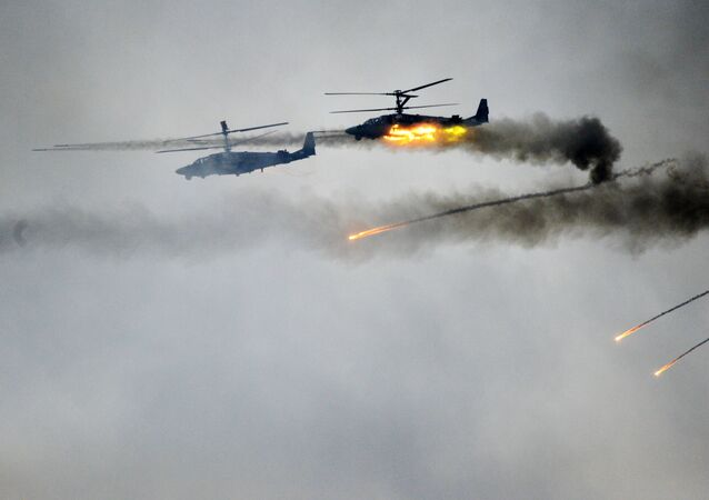 Helicópteros Ka-52 participando dos exercícios Zapad-2017