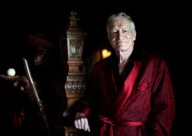 Fundador de Playboy Hugh Hefner posa para o retrato em Los Angeles, Califórnia