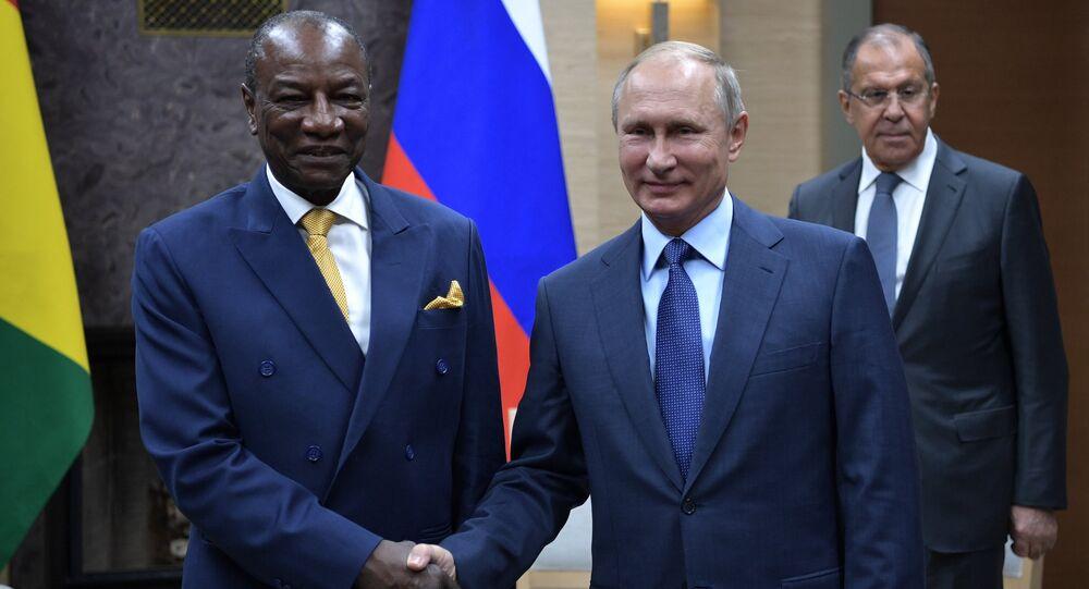 Presidente russo Vladimir Putin durante encontro com seu homólogo guineense Alpha Condé, 28 de setembro de 2017
