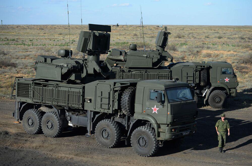 Sistema de artilharia antiaérea móvel Pantsir-S1