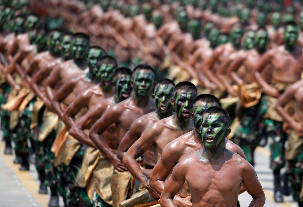 Celebração do 72º aniversário das Forças Armadas da Indonésia