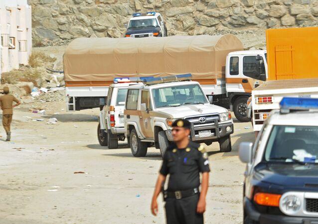 Agentes de polícia em rua da cidade de Jidá, na Arábia Saudita