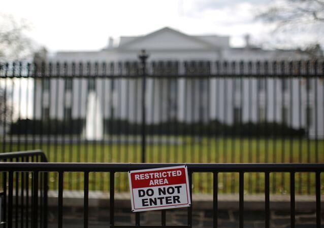 Casa Branca vista pelas grades da propriedade, Washington