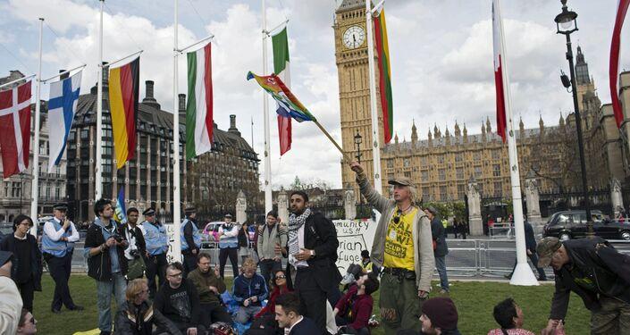 Ação Occupy Democracy nas eleições em Londres
