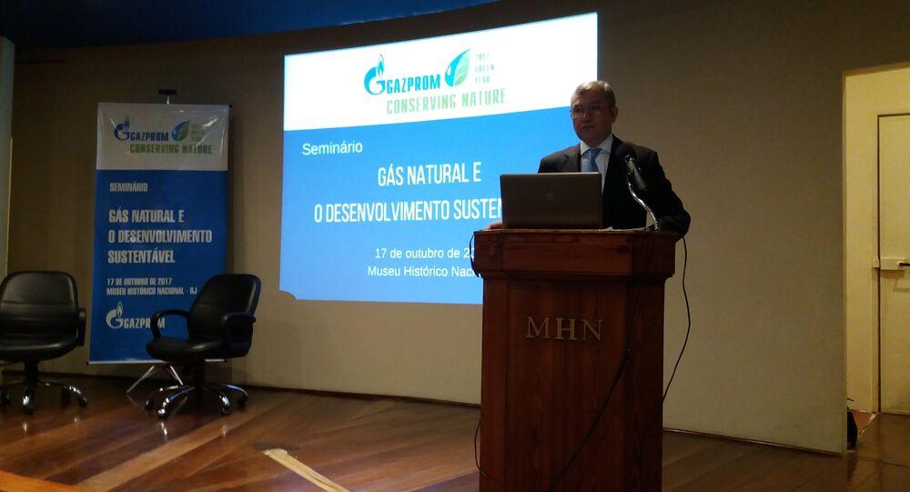 Diretor do escritório da Gazprom no Brasil, Shakarbek Osmonov, fala na abertura do seminário Gás Natural e Desenvolvimento Sustentável no Rio