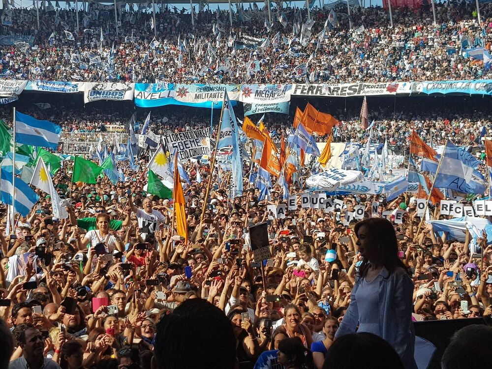 O último comício de sua campanha ocorreu em em Avellaneda, na grande Buenos Aires.