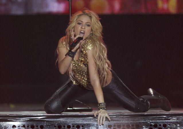 Shakira, cantora colombiana e esposa do zagueiro do clube Barcelona, Gerard Piqué
