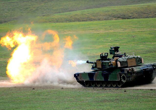 O tanque M1A2 Abrams durante os exercícios conjuntos Parceiro Nobre 2016, arredores de Tbilisi