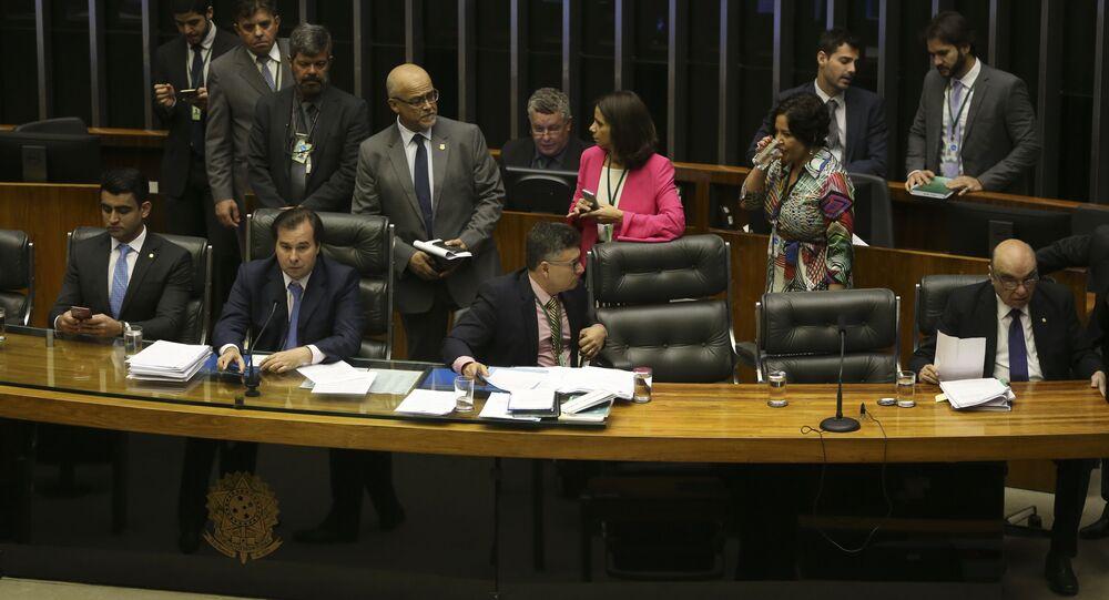Plenário da Câmara dos Deputados se reúne para votar denúncia contra o presidente da República, Michel Temer, e os ministros da Casa Civil, Eliseu Padilha, e da Secretaria-Geral, Moreira Franco