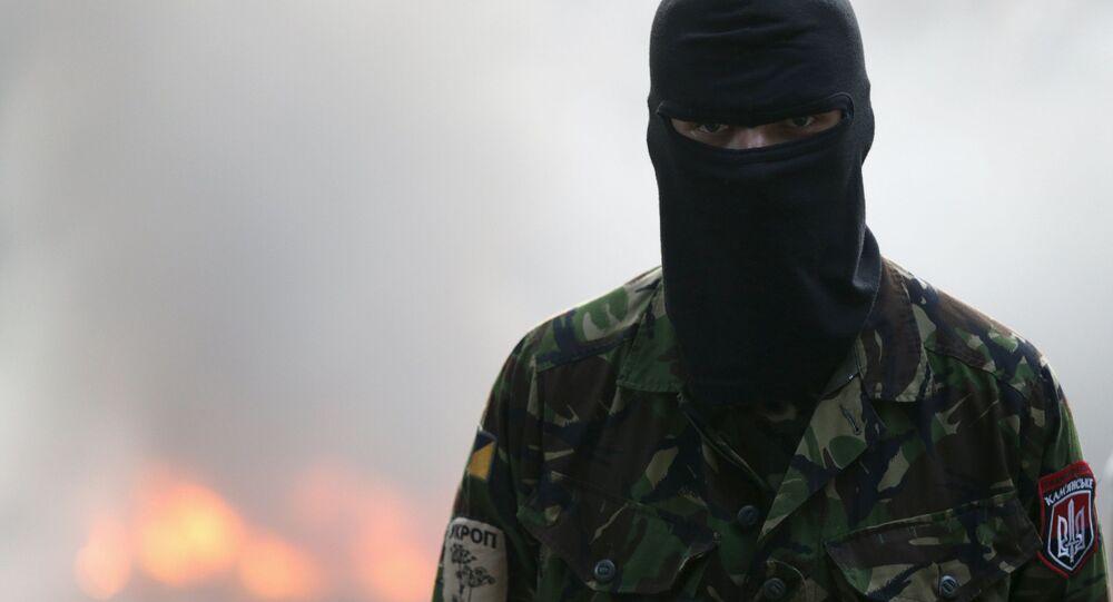 Combatente da formação irregular ucraniana Setor de Direita (grupo proibido na Rússia)