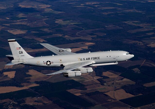 Imagem do Boeing 707 modificado intitulado Northrop Grumman E-8, da Força Aérea dos EUA