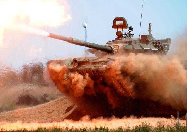 Tanque T-72B3 durante treinamentos (foto de arquivo)
