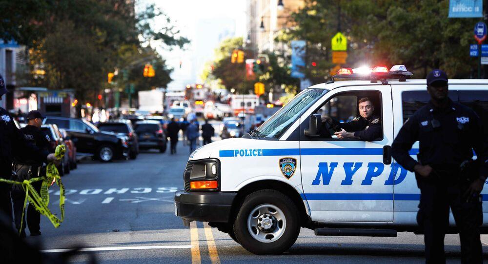 Polícia fecha a rua de ataque terrorista em Nova York