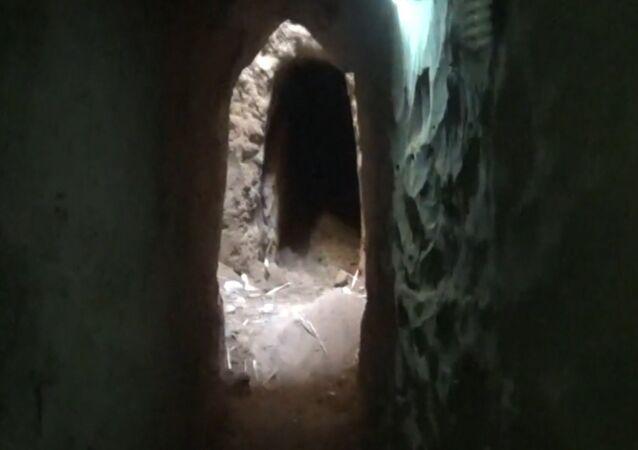 Túneis do Daesh em Deir ez-Zor