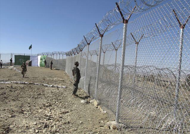 Fronteira entre Paquistão e Afeganistão, na cidade paquistanesa de Angore Adda