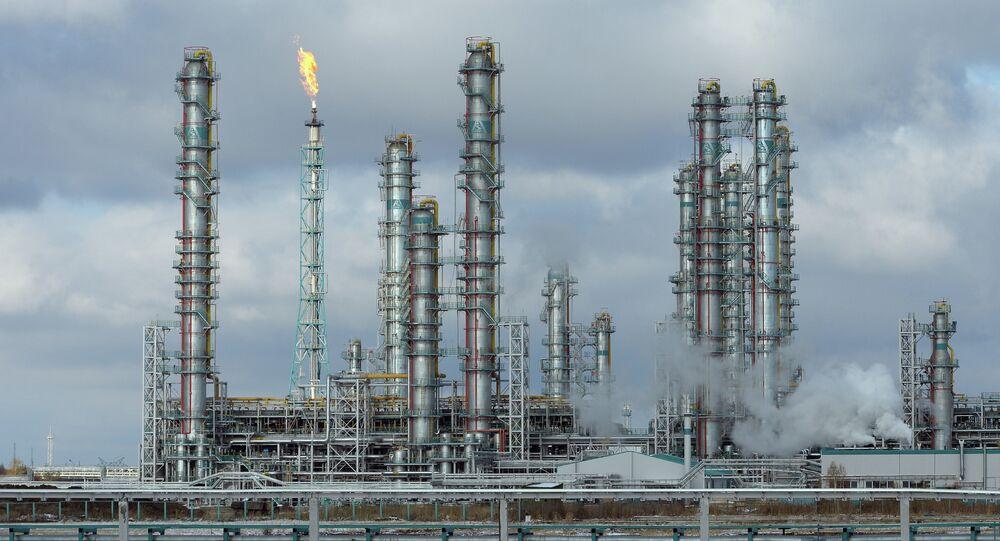Fábrica de transformação de hidrocarbonetos da empresa Sibur, foto de arquivo