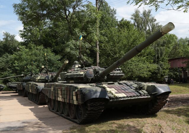 Tanques T-72 do exército ucraniano, foto de arquivo