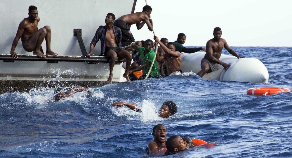Resgate de migrantes na costa da Líbia (arquivo)