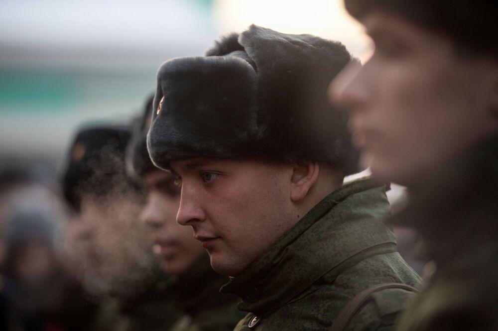 O aquartelamento dos militares do destacamento fica no próprio complexo de edifícios do Kremlin