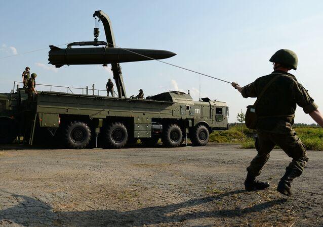 Sistema de mísseis balísticos táticos Iskander-M no fórum militar Exército 2017