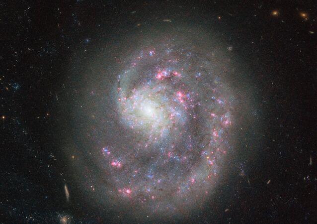 A galáxia NGC 4625