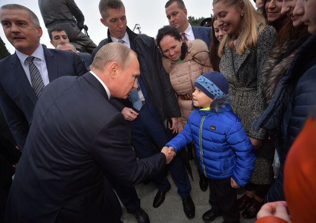 Vladimir Putin, presidente da Rússia, durante sua visita a Crimeia