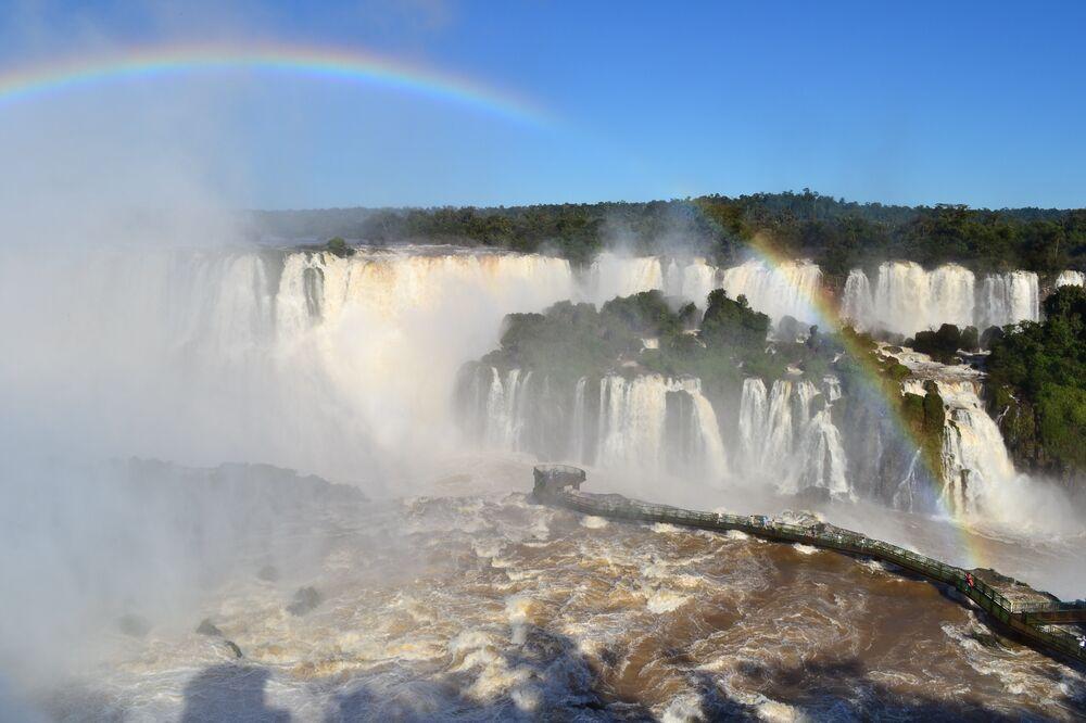 Mais de 1,6 milhão de pessoas já visitaram as Cataratas do Iguaçu neste ano.