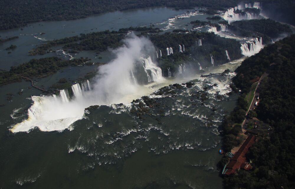 O Parque Nacional do Iguaçu é o segundo parque mais visitado no Brasil.
