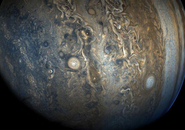 Foto do Hemisfério Sul de Júpiter tirada pela sonda espacial Juno