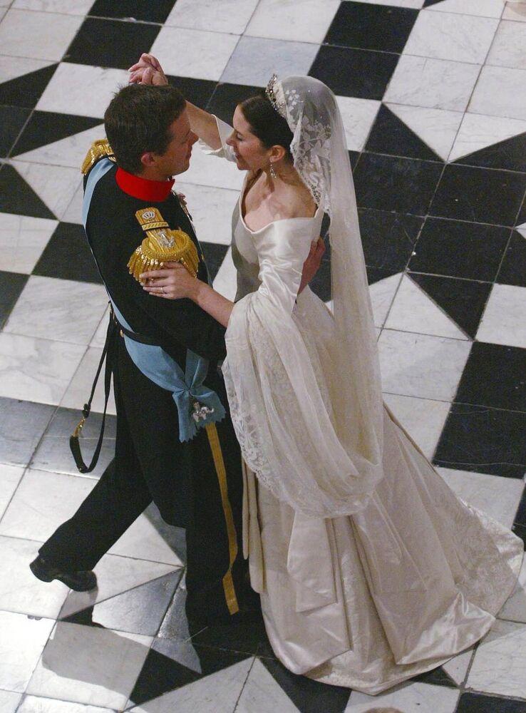 Príncipe dinamarquês Frederik com sua esposa Mary Elizabeth Donaldson, professora e gerente de relações públicas