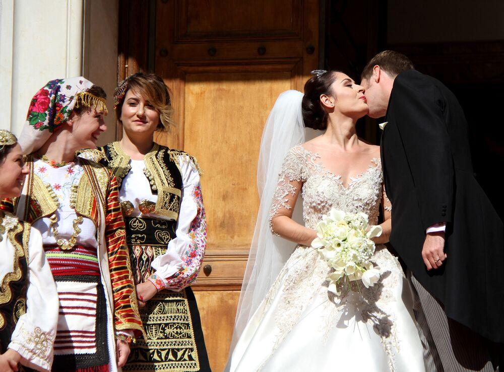 Cantora e atriz albana Elia Zogu virou membro da família real depois do casamento com o herdeiro do trono da Albânia, príncipe Leka Zogu